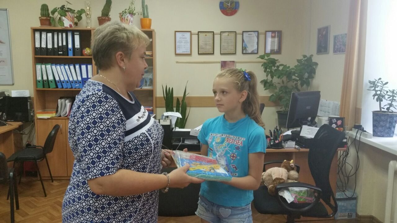 В российской столице стартовала акция «Семья помогает семье: готовимся кшколе!»